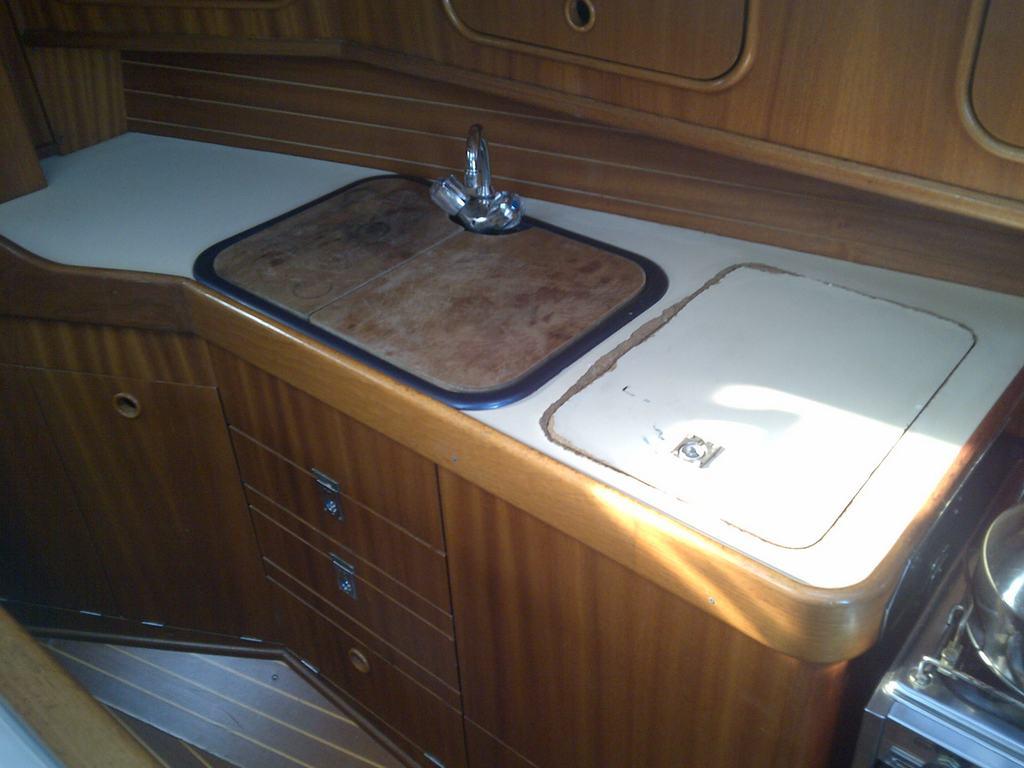Moerdijk-20121010-00140